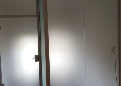 Ganzglasabschluss im Treppenhaus