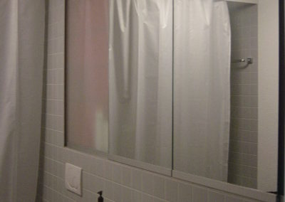 Speigelschrankg mit Spiegelschiebetüren