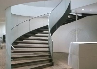 Treppengeländer aus Glas VSG Glas Sicherheitsglas Geländer Glasbrüstung Glasabtrennung Glaswand