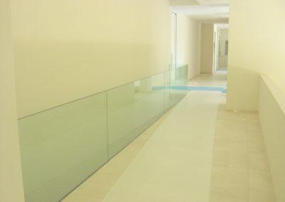 Treppengeländer mit VSG Glas Sicherheitsglas Geländer Glasbrüstung Glasabtrennung Glaswand Glaserei Glasbau-adjust-contrast