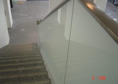 Treppengeländer mit VSG Mattfolie VSG Glas Sicherheitsglas Geländer Glasbrüstung Glasabtrennung Glaswand